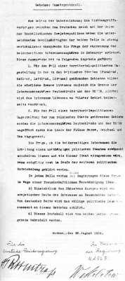 Molotov-Ribbentrop_Pact_3